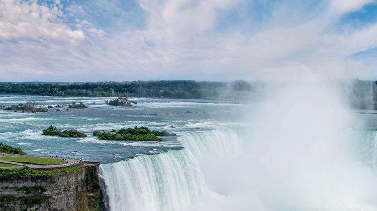 Melihat Air Terjun Niagara di ONTARIO, CANADA